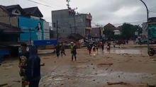 Inundación repentina deja 21 muertos en Indonesia