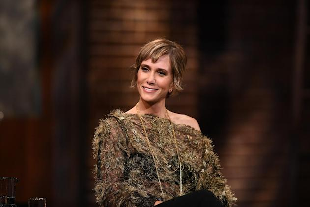 Apple lands Kristen Wiig comedy series produced by Reese Witherspoon