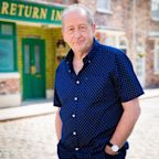 Coronation Street's Geoff Metcalfe tries to drop the charges against Yasmeen
