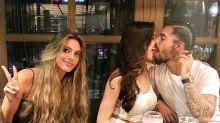 Le llueven críticas a Maluma por esta foto en la que besa a su novia