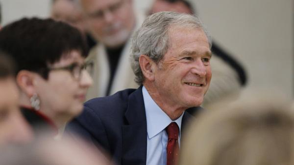 Plane carrying George W. Bush from Philadelphia diverted