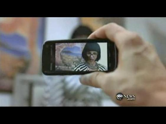Screen Grabs: Nokia 5800-branding womanizer snaps pics of Britney Spears