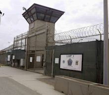 Oman says it accepts 10 Guantanamo Bay detainees