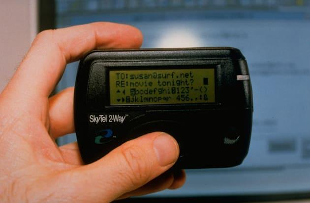 Apple loses a patent battle over Skytel's two-way pager tech