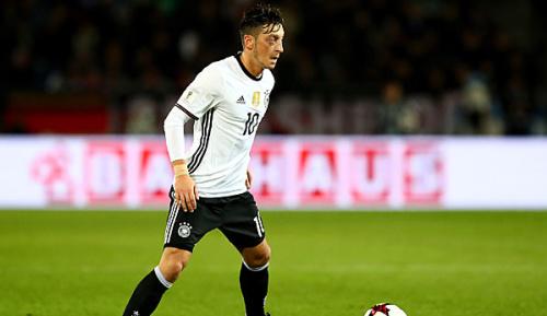 DFB-Team: WM-Quali in Aserbaidschan: Özil dabei