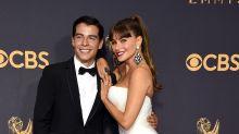 Sofía Vergara presume a su guapo hijo Manolo en los Emmy; míralos