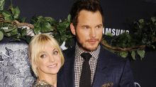 That's amore: le trecce di Chris Pratt per la moglie Anna Faris