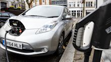 Majority of new cars and vans should be electric by 2030, Government climate advisers demand