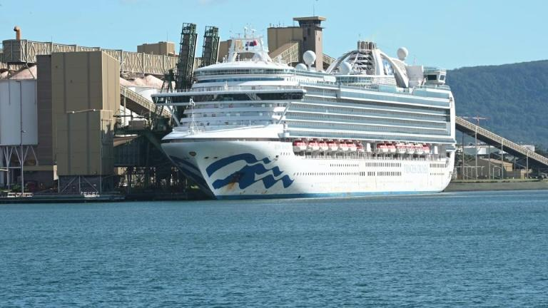 Virus-stricken cruise ship docks near Sydney