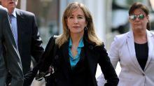 Felicity Huffman se declarará culpable por fraude de admisiones universidades