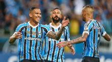 Ex-Grêmio publica foto com a camisa do clube e admite 'saudade'; Torcida reage