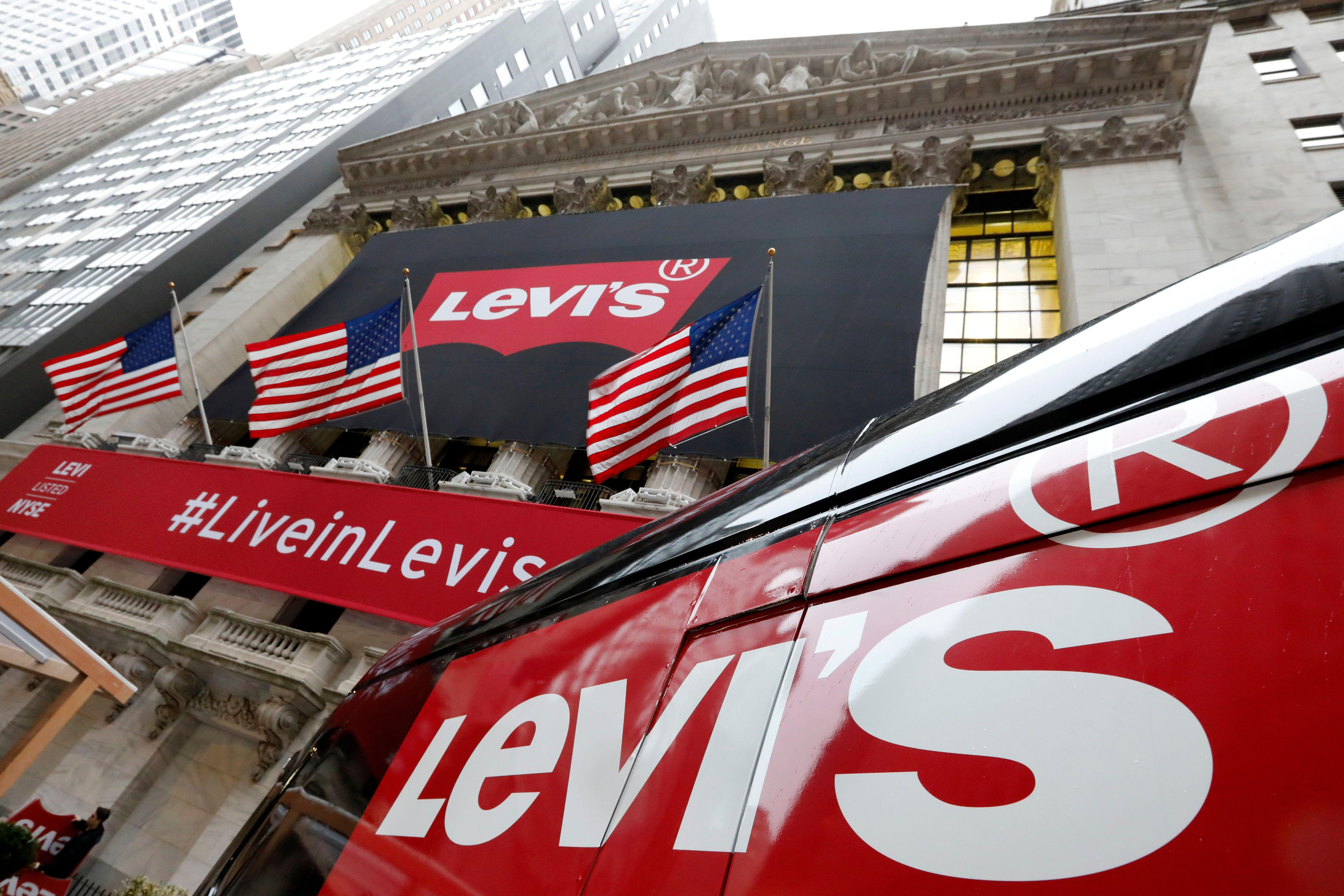 Levi Strauss shares jump more than 30% above IPO price at open - Yahoo Finance thumbnail