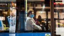 Las últimas noticias sobre el coronavirus | Madrid contraataca el plan del Gobierno: cenas de Navidad de hasta 10 personas