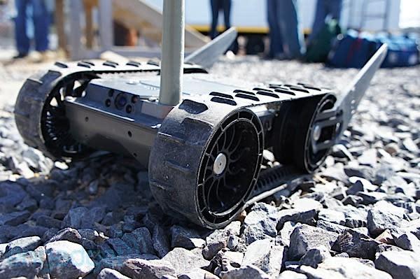 iRobot 110 FirstLook hands-on (video)