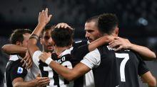 Juventus vence Lazio (2-1) com dois gols de CR7 e põe a mão na taça