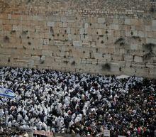 Passover on Zoom: Jewish leaders split on digital Seders