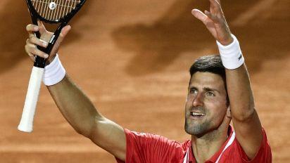 Internazionali tennis Roma, Djokovic batte Sonego e vola in finale