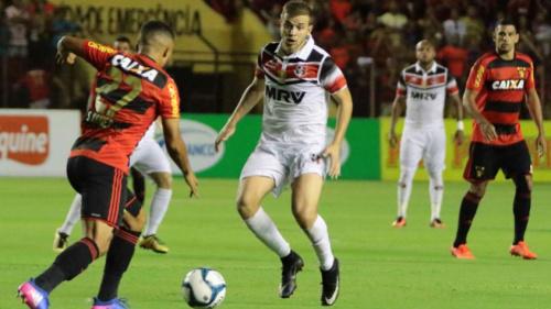 Diego Souza marca, mas Santa Cruz vence o Sport na Ilha do Retiro