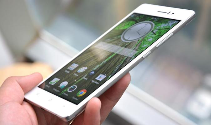 At just 4.85mm, Oppo R5 is the world's slimmest smartphone