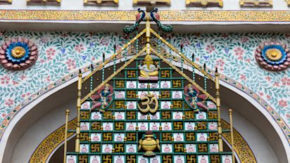 Peek into palaces of India: City palace, Udaipur