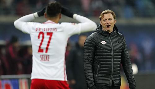 Bundesliga: Werder-Flirt: Hasenhüttl ermahnt Selke