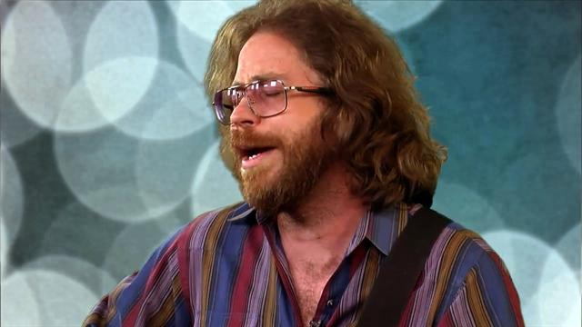 Jonathan Coulton sings