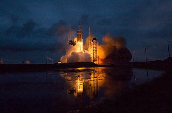 Relive Orion's deep-space test flight in pictures and videos