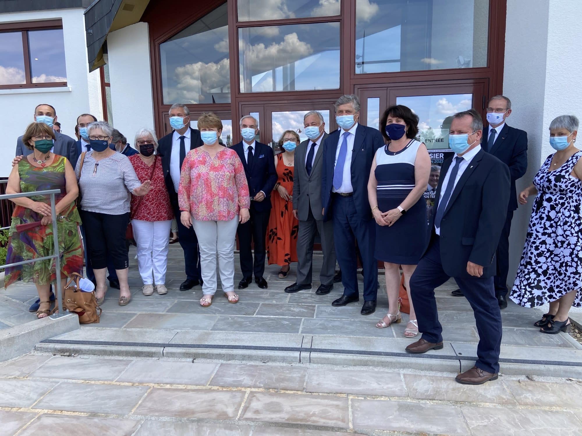 Régionales: dans le Centre-Val de Loire, Gérard Larcher en mission terrain pour les «territoires» et Les Républicains