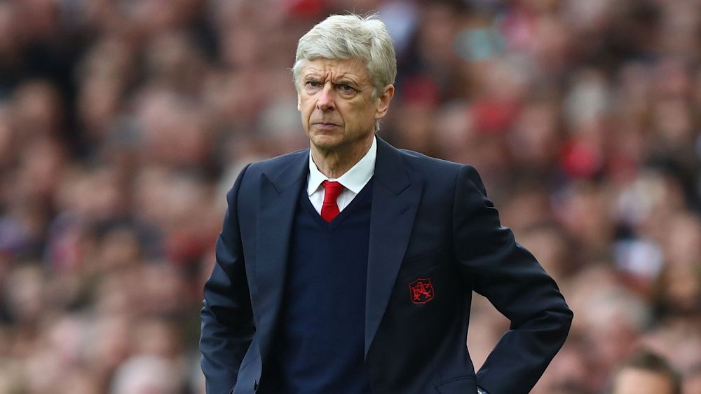 Wenger surprised to see Arsenal players hug Manchester United rivals