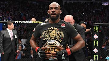 Bones take it home: Jones narrowly retains title