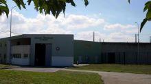 Bouches-du-Rhône : un détenu interpellé après avoir blessé trois surveillants pénitentiaires à la prison d'Arles