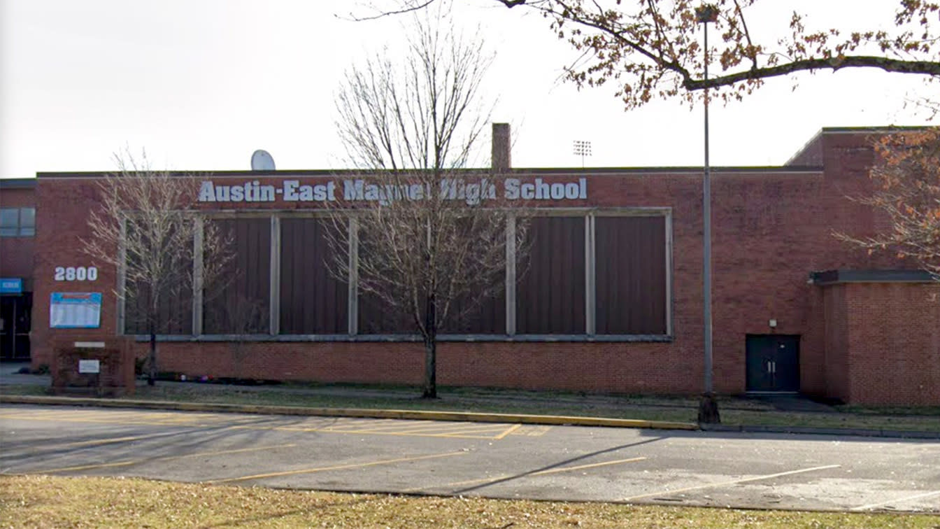 Shooting at Tenn. school leaves 1 dead, officer injured