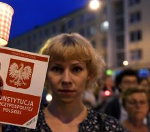 Polish president vetoes controversial court reforms