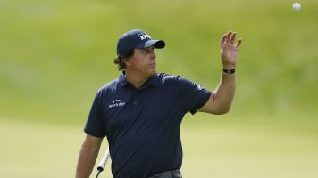 Starving for a win, Phil sheds 15 pounds