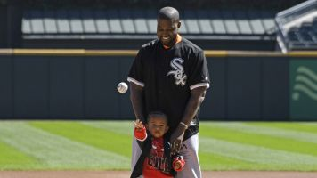 Kanye throws first pitch at White Sox game
