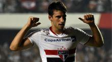 Calleri não conseguiu repetir futebol que teve no São Paulo e vira 'nômade' na Europa
