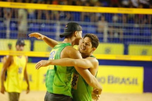 Álvaro e Saymon buscam título Sul-Americano em Maringá (PR)