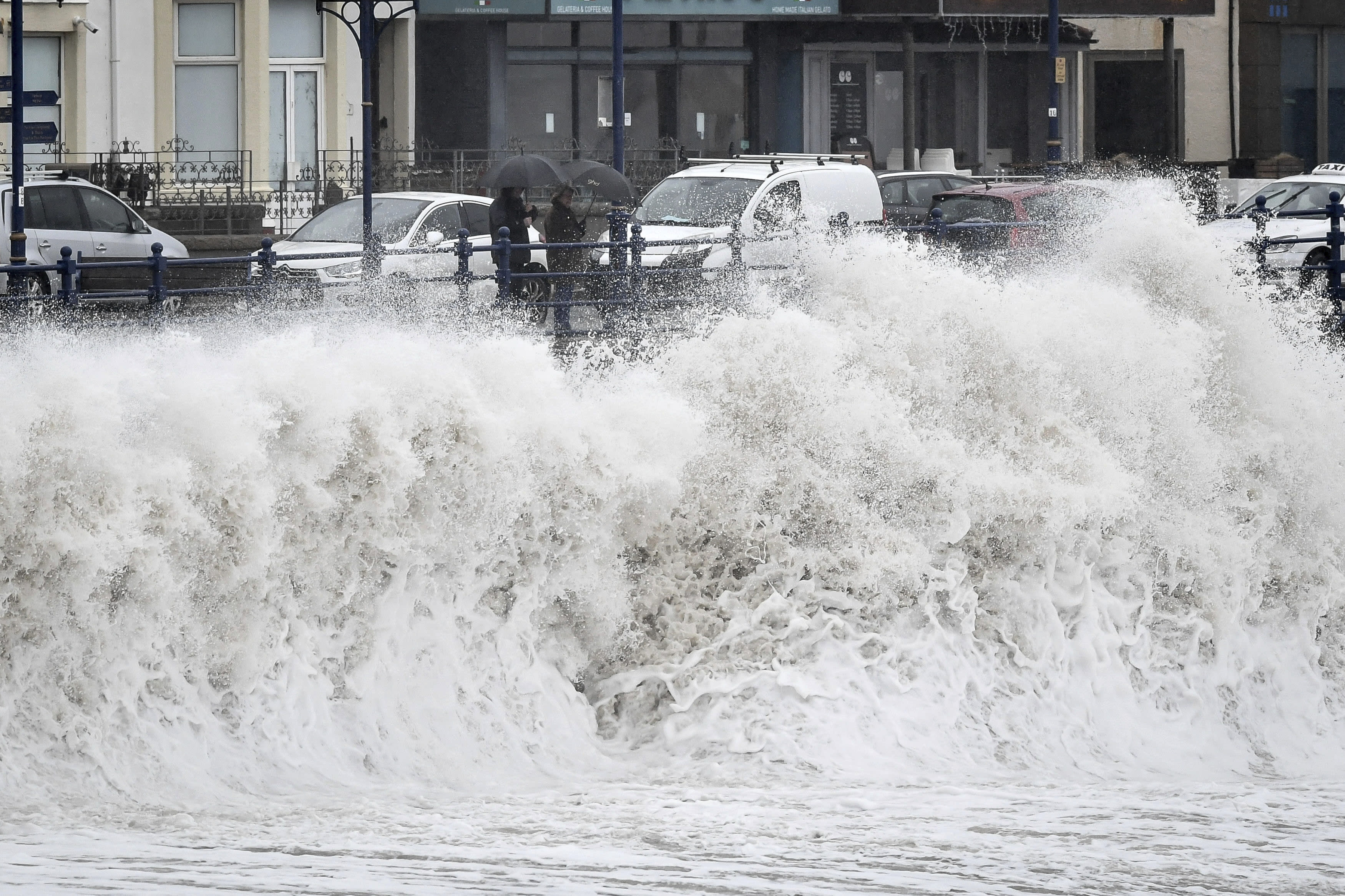 Storm Dennis to bring high winds, heavy rain and flooding to UK
