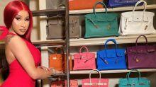Ela é a patroa! Cardi B exibe coleção milionária de bolsas grifadas