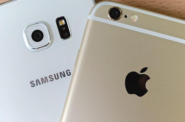Apple and Samsung are feeling the mobile sales pinch