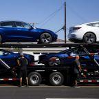 Tesla Starts Taking Orders for Shorter-Range Model 3 at $45,000