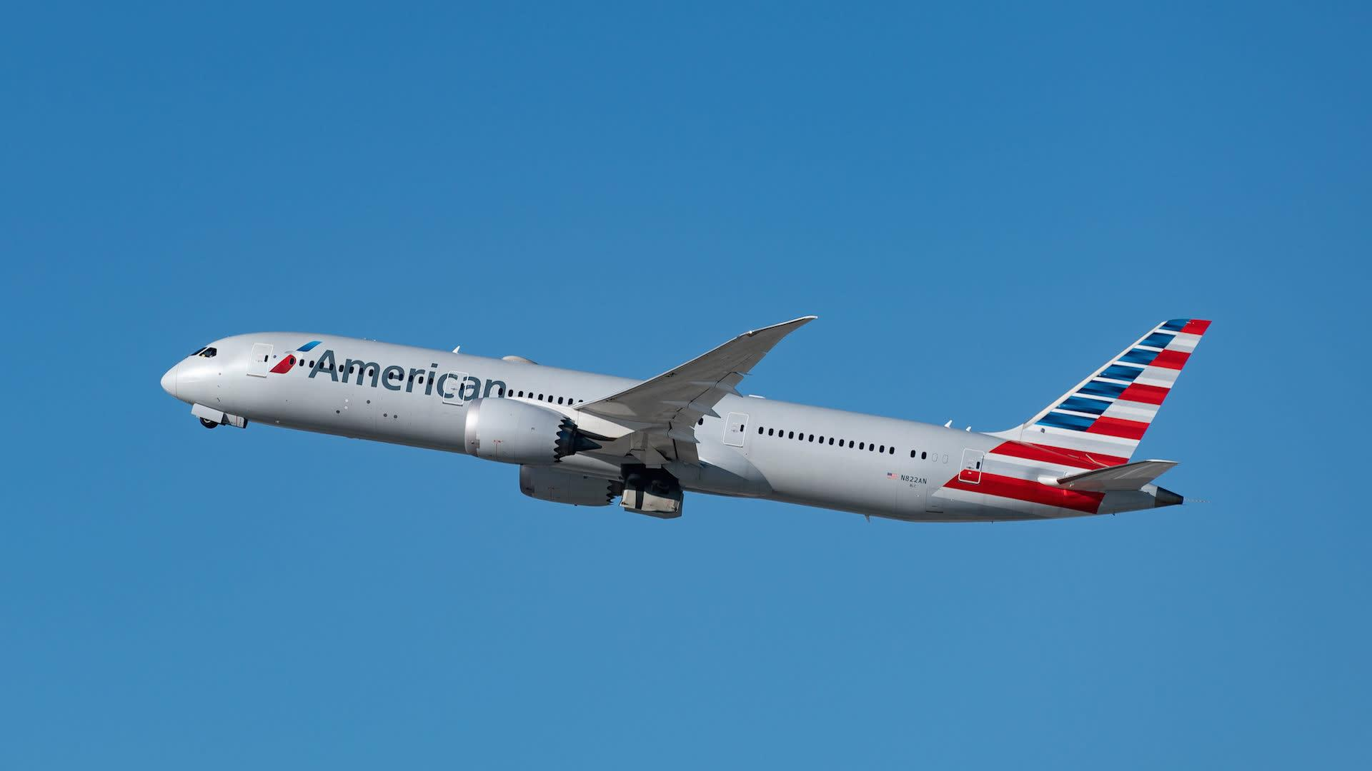 American Airlines Forced to Divert Flight After Women Use Racial Slurs and Spit on Passenger - Yahoo Entertainment