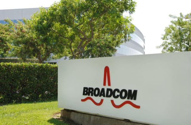 Qualcomm rejects Broadcom's buyout bid