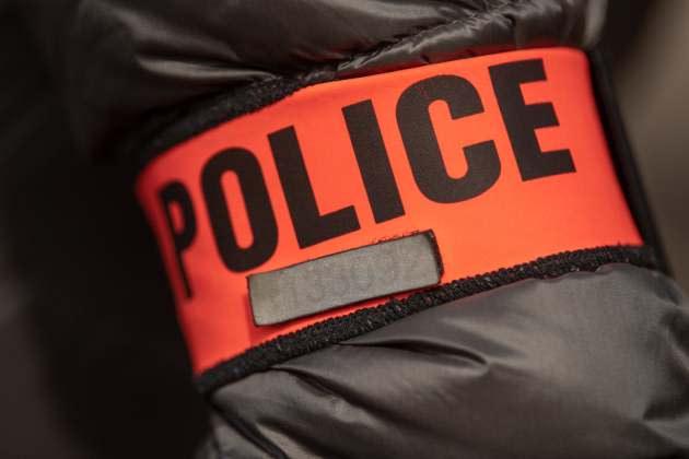 Sartrouville: deux hommes poignardés dans un état grave, un voisin en garde à vue - Yahoo Actualités