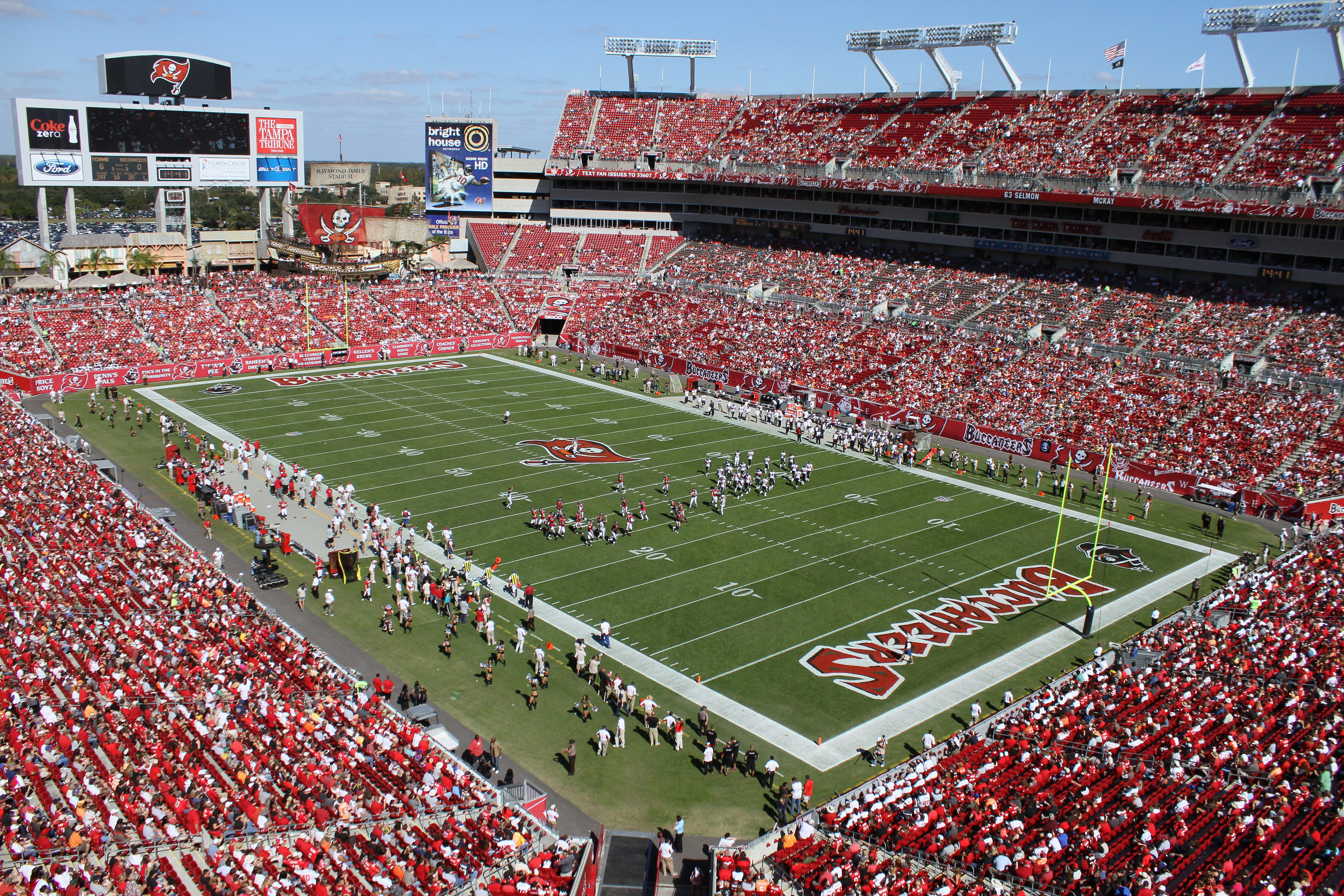 0ac02538cf5f7 Per the Tampa Bay Times, the Buccaneers rank third-worst in the NFL in  average attendance, sitting behind only the Cincinnati Bengals and the Los  Angeles ...