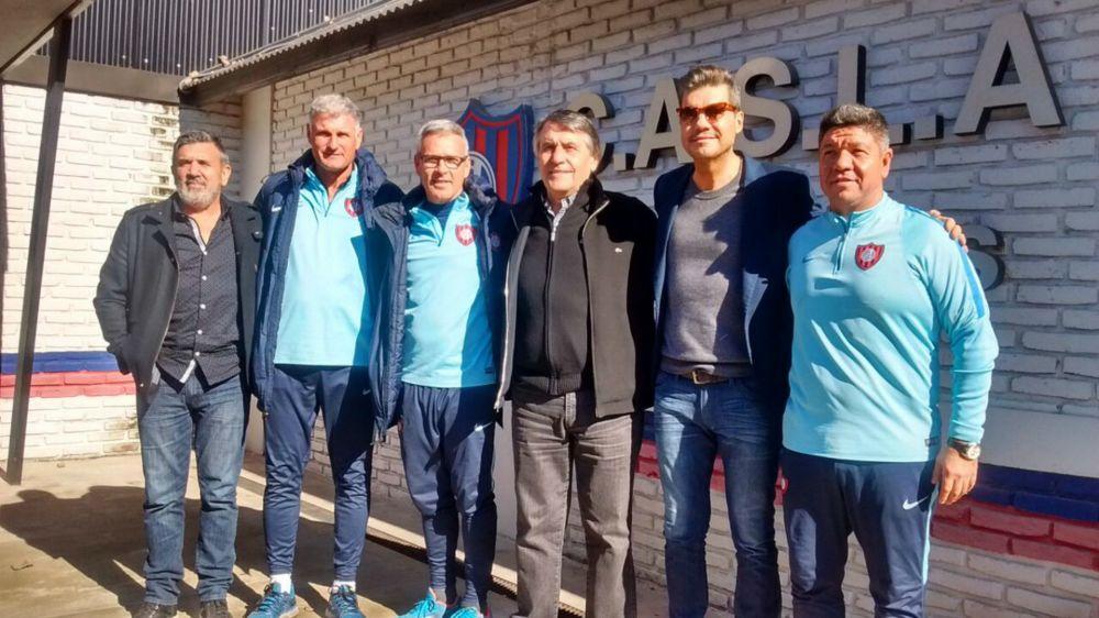 AFA pone el inodoro en el baño: Tocalli vuelve a las selecciones juveniles