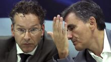 Top eurozone official says Greece needs 'clean' bailout exit