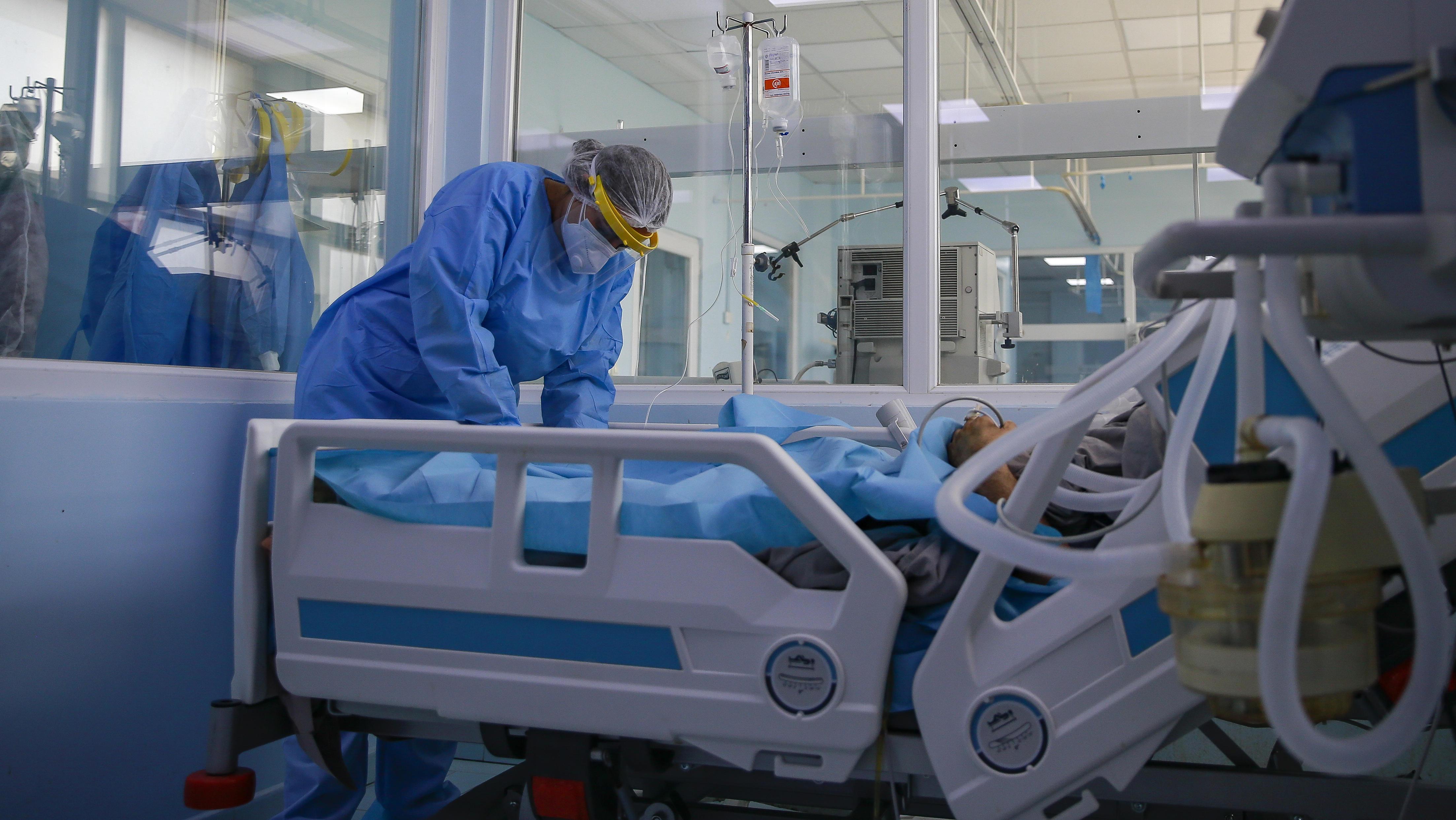 台護理師在美抗疫 染新冠又中風癱瘓