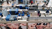 TSA says doesn't search phones, devices of air travelers for content