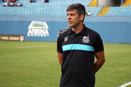 Demitido pelo Santos, Marcos Soares é o novo auxiliar do sub-20 do Timão